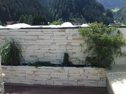 Mauer modern
